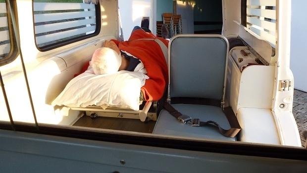 ambulans-volvo-duett-3-red