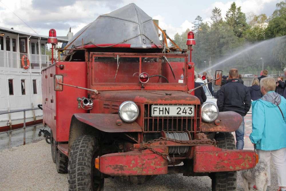 Slussdag-Dodge-red