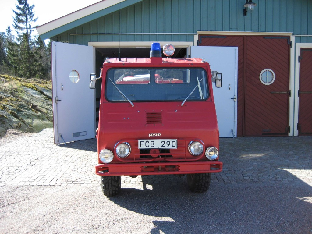 Volvo-jeep-2-red-w